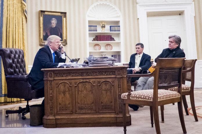 Usa 2020 - Thanksgiving - Trump - Flynn - Bannon