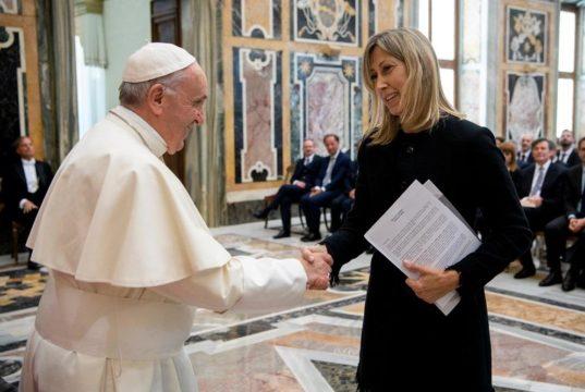 Papa Francesco - premio - Simona Agnes