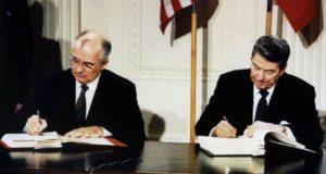 Inf - Gorbaciov - Reagan