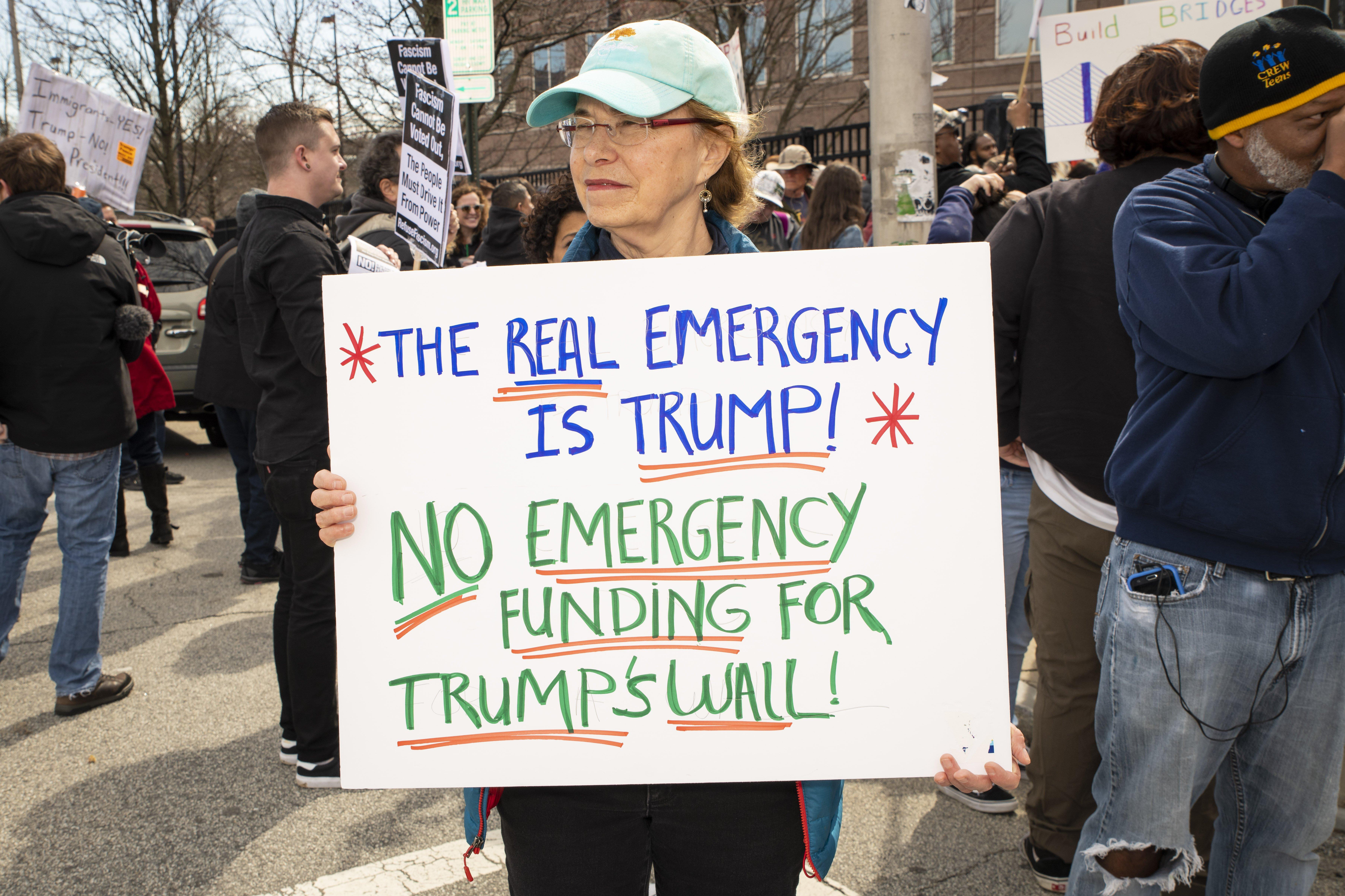 Usa - muro - emergenza nazionale
