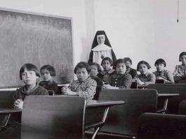 Settimanale - Canada - chiesa - bambini nativi
